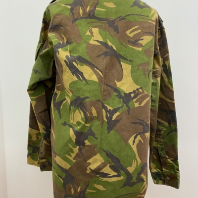 Mens  ARMY STYLE CAMOUFLAGED JACKET Size M Brown/Green