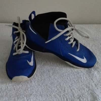 Boys NIKE TEAM HUSTLE DT LACE UP SHOES HIGH ANKLE  US2 UK1.5 Blue/Black/White