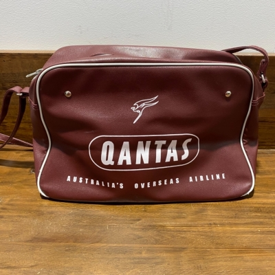 "VINTAGE STYLE VINYL QANTAS BAG ""Reproduction"" VG Cond"