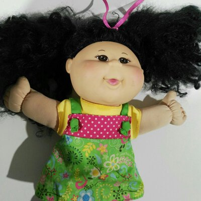 2011 Cabbage Patch Doll Black Hair (Missing 1 Shoe)